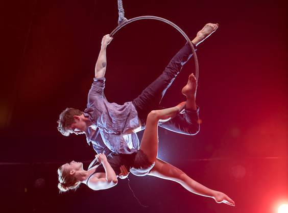CAITLIN & SPENCER - Aerial Hoop - Caitlin Tomson-Moylan, USA, Circus Juventas, Montreal & Spencer Craig, Canada