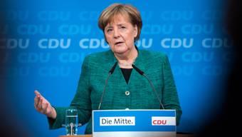 Hat in Berlin ihr Personaltableau für die CDU-Minister einer möglichen neuen grossen Koalition mit der SPD vorgestellt: Angela Merkel, Kanzlerin und Vorsitzende der Christlich Demokratischen Union (CDU).