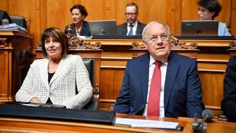 Die abtretenden Bundesräte Johann Schneider-Ammann und Doris Leuthard.