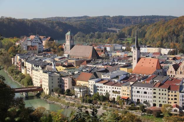 Blick auf die Stadt Wasserburg am Inn.
