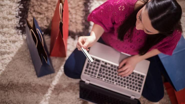 Der «Smart Shopper» ist gerne online und tätigt einenGrossteil der Einkäufe im Internet.Thinkstock
