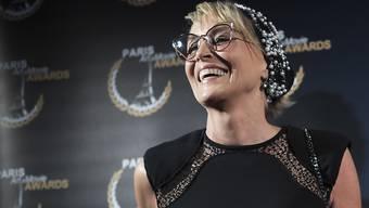 """Die US-Schauspielerin Sharon Stone erhält eine Rolle in der zweiten Staffel der TV-Serie """"The Young Pope"""" - an der Seite von Jude Law und John Malkovich. Regie führt erneut der Oscar-gekrönte Paolo Sorrentino. (Archiv)"""