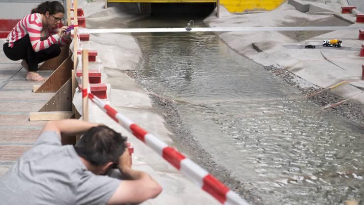 Die ETH Lausanne (EPFL) hat das Rhoneknie bei Martigny in einem Modell im Massstab 1:52 nachgebaut.
