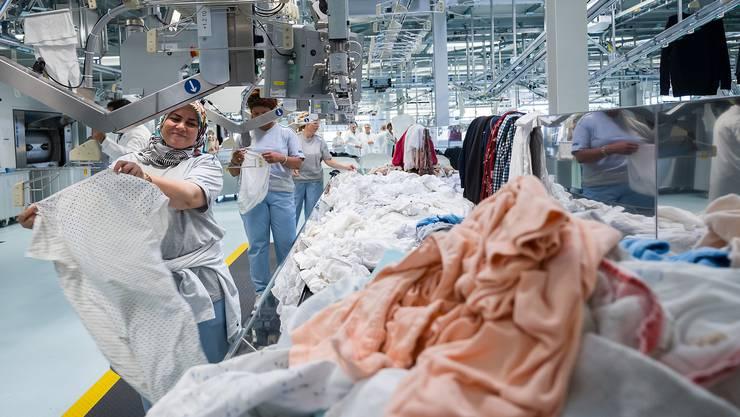 An der Flughafenstrasse 213 öffnet die Industriewäscherei ihre Tore.