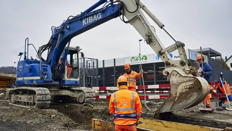 Auf Baustellen im Aargau wird trotz Corona-Virus weiterhin gearbeitet. (Bild vom November 2019)