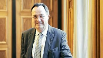 Josef Meier am Fenster des Verwaltungsratssaals der NAB: «Die Digitalisierung wird die Bankenwelt auf den Kopf stellen», sagt der abtretende Präsident mit Blick in die Zukunft.