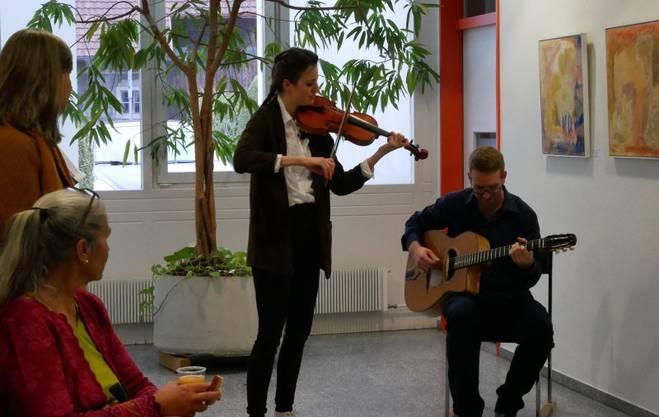 Musikalische Umrahmung: Helen Maier, Violine und David Hasler, Gitarre.
