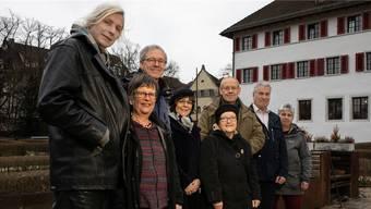 Ruth Vogler (Zweite von links) und das Team der Offenen Kirche Region Olten im Klostergarten anlässlich der Kunstpreisverleihung der Stadt Olten.