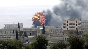 Kurden-Stadt Kobane unter Beschuss der sunnitischen Terrormiliz IS