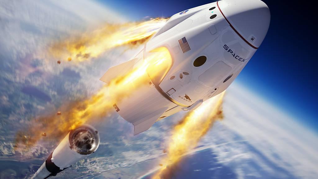 Firmen von Musk und Bezos streiten um Satelliten-Umlaufbahnen