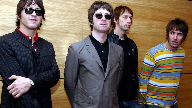 Oasis mit den Brüder Noel (2. v. l.) und Liam Gallagher (rechts) in Hongkong 2006.