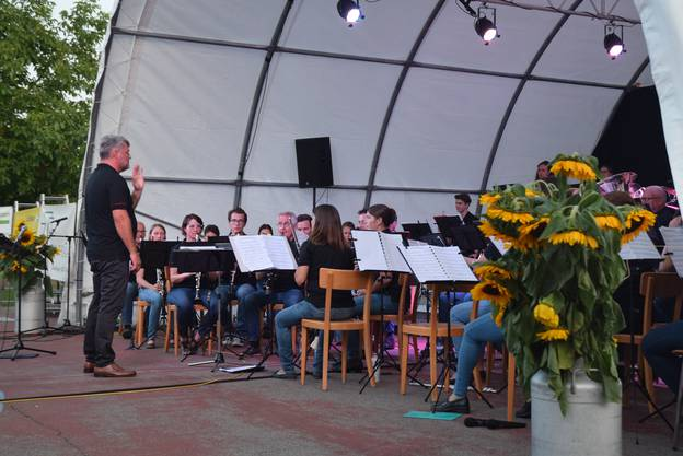 Miguel Etchegoncelay leitet die Harmonie