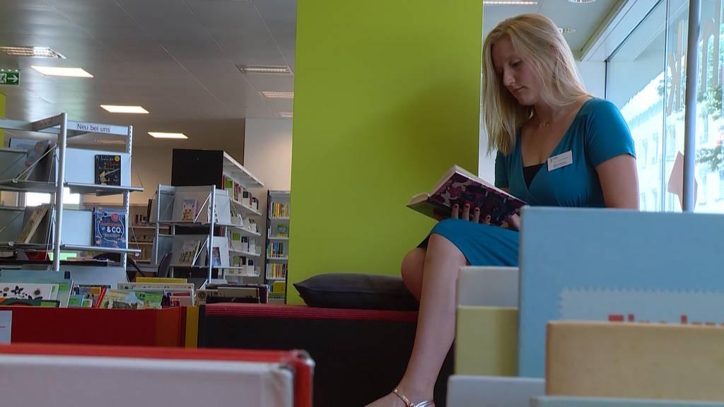 Gleichstellung im Bücherregal: Bibliothek Uster schafft Geschlechterkategorien ab