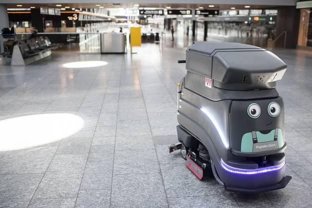 Seit Mai ist dieser Putzroboter am Flughafen Zürich im Einsatz.