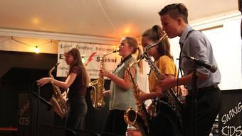 Swing Kids am Fiirabig-Jazz in Oetwil