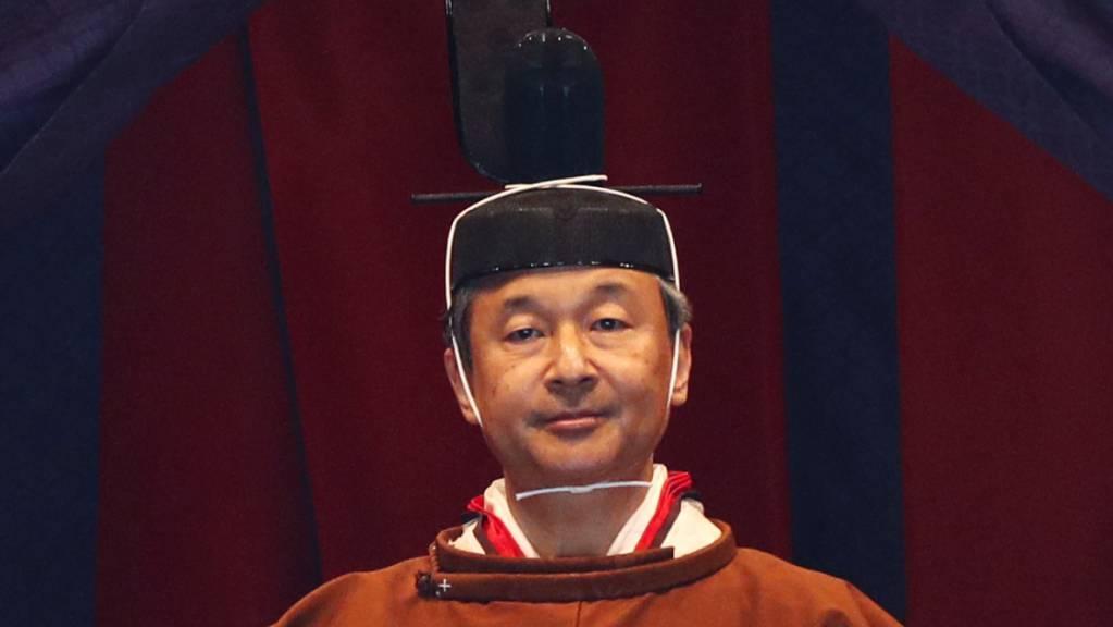 Japans neuer Kaiser Naruhito hat am Dienstag knapp ein halbes Jahr nach seiner Amtsübernahme offiziell seine Inthronisierung verkündet.