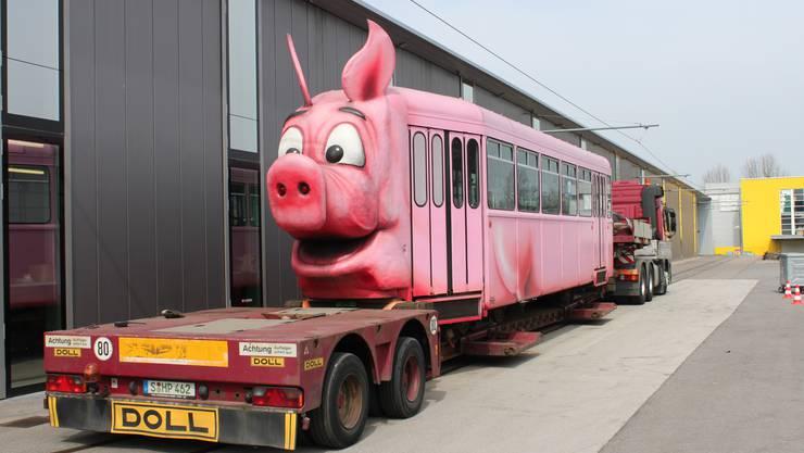 Bye Bye Säuli - Das beliebte rosa Drämmli kommt ins Schweinemuseum in Stuttgart.