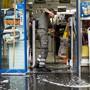 Überflutete Keller und beschädigte Waren: Die schweren Regenfälle in der Nacht auf den 12. Juni haben in Lausanne grosse Schäden verursacht. (Archiv)