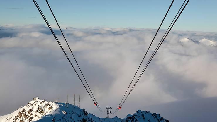 Stundenlang mussten Passagiere am Heiligabend in einer Seilbahn im italienischen Aostatal ausharren. (Symbolbild)