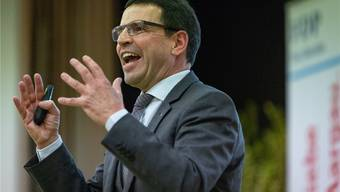 Verlangt ein Minimum an Kontrolle auch in der Krise: Matthias Jauslin (FDP). Bild: Chris Isel (29. November 2018)