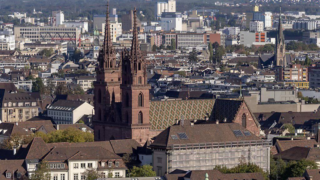 In Basel wurde in der Nacht auf Sonntag ein Mann durch mehrere Schüsse verletzt. (Symbolbild)