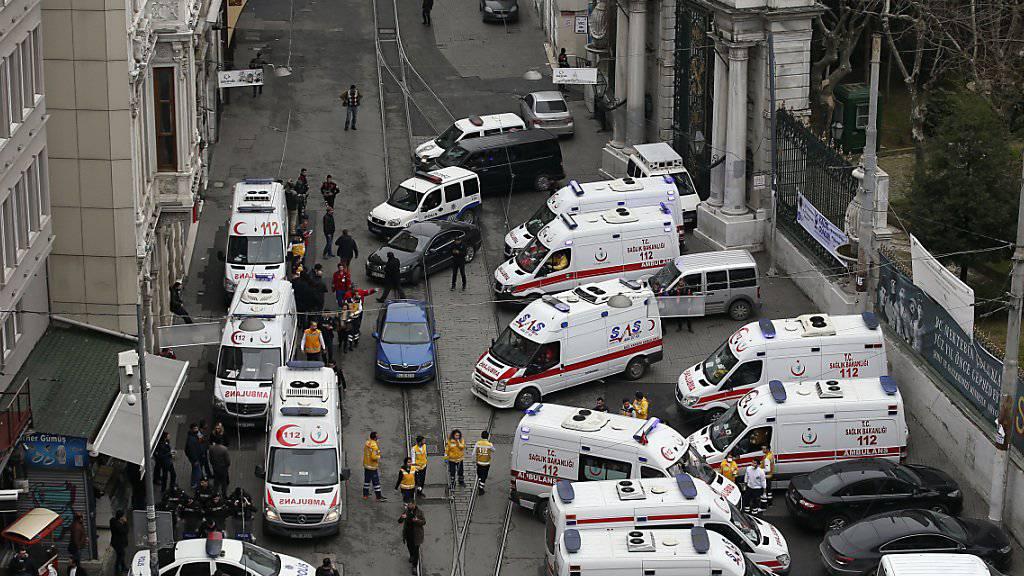Anschläge wie jener von März 2016 im Zentrum von Istanbul vermiesen den Reiseanbietern das Geschäft. (Archivbild)