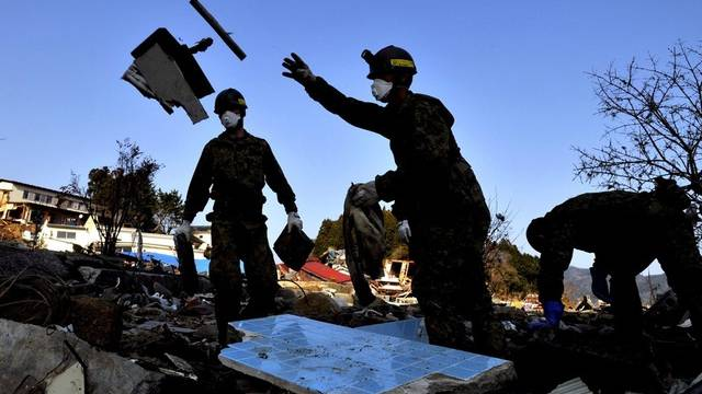 Die Suche nach Verschütteten in Japan dauert an