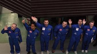 Die sechs Teilnehmer vor dem Start des Experiments (Archiv)
