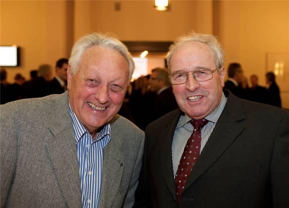 Hans Meyer (links) von der Meyer AG in Birr mit Richard Meyer, Präsident der Aargauer Baumeister.
