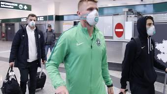 Spieler des Fussball-Klubs Ludogorez Rasgrad auf dem Weg zum Europa-League-Auswärtsspiel in Mailand