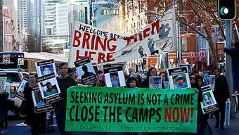 Die Demo-Teilnehmer forderten die Schliessung der Internierungslager für Asylbewerber in Papua-Neuguinea und auf der Pazifikinsel Nauru.