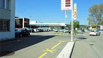 Als Standort für Nutzungen mit hohem Verkehrsaufkommen festlegen: Standort Schinhuetweg.