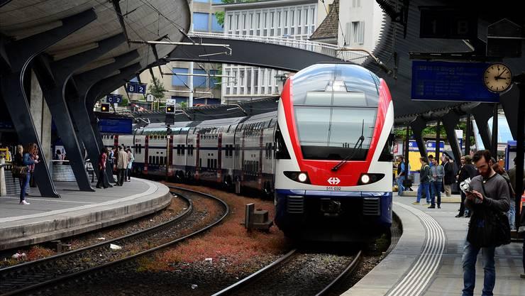 Gemäss ZVV sind die Zürcher S-Bahnen im vergangenen Jahr so pünktlich wie noch nie gefahren.