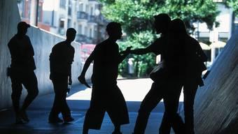 Pfäffikon will der Jugendgewalt soll Einhalt gebieten (Symbolbild)