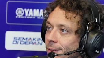 Immerhin sagt Rossi, dass es ihm mit Ausnahme von leichtem Fieber am Donnerstagmorgen gut geht