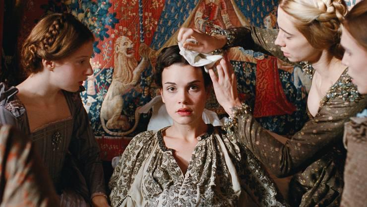 Eine Newcomerin in der Hauptrolle, von der man noch hören wird: Camille Rutherford als schottische Königin Mary. HO
