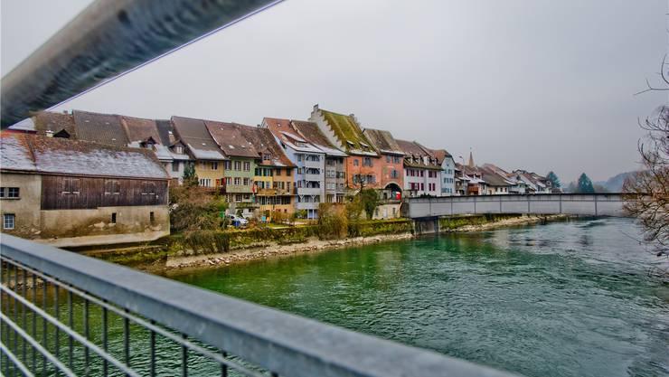 Mellingen wurde einst gegründet, um den Flussübergang zu sichern, und wie damals prägt die Reuss auch heute noch die Entwicklung des Städtchens. (Archiv)