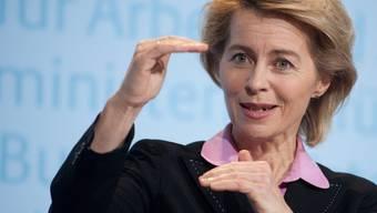 Arbeitsministerin Ursula von der Leyen bestätigte die Kürzungen (Archiv)