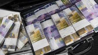 Die Schweiz könnte mehr tun gegen die Bestechung von Amtsträgern im internationalen Geschäftsverkehr. Das stellt die OECD in einem Bericht fest. (Themenbild)