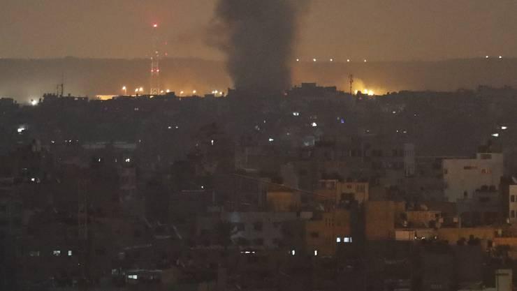 In der Nacht auf Donnerstag flog die israelische Luftwaffe mehrere Angriffe auf Ziele in Gaza.