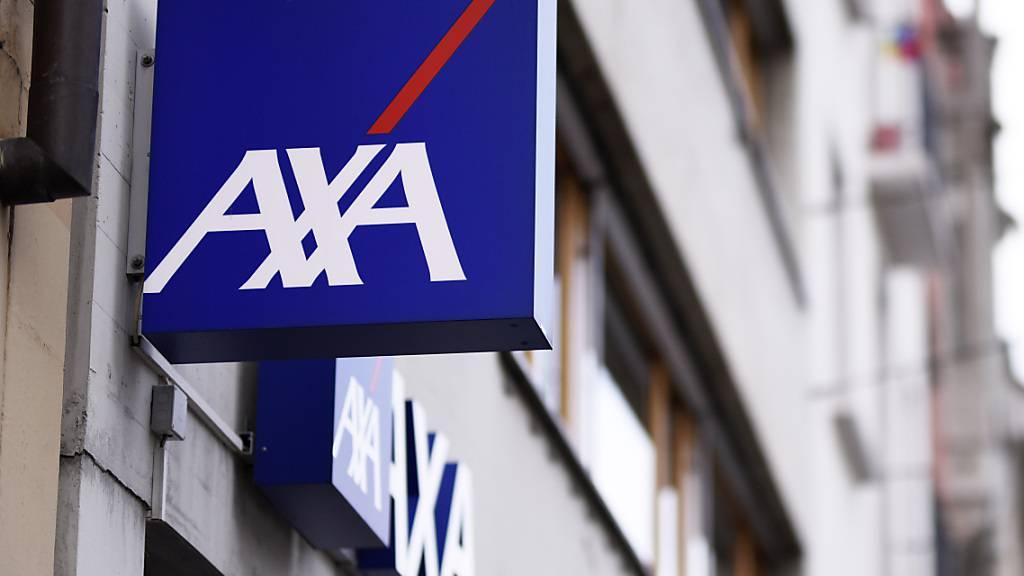 Die Axa Versicherung hat im vergangenen Jahr unter den Folgen der Coronakrise gelitten und einen Drittel weniger Gewinn erzielt. Vor allem Zahlungen in der Epidemie-, Rechtsschutz- und Reiseversicherung haben das Ergebnis belastet.(Archivbild)