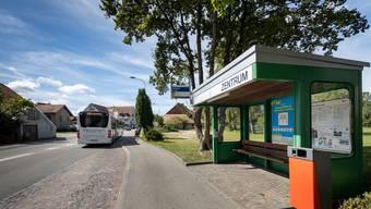 Die Mittelgäustrasse in Gunzgen wird saniert. Auch die Bushaltebuchten werden behindertengerecht ausgebaut.