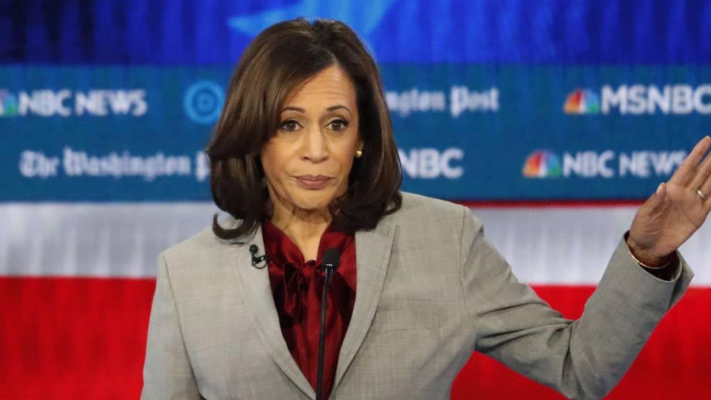 Mit der kalifornischen Senatorin Kamala Harris steigt eine weitere Bewerberin aus dem Rennen um die Präsidentschaftskandidatur der US-Demokraten aus. (Archivbild)