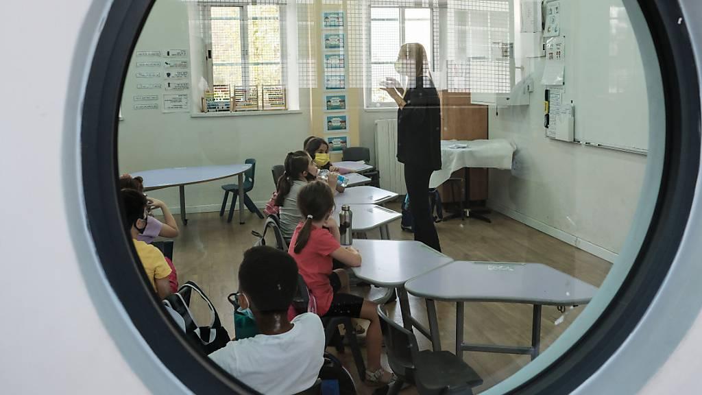 Impfgegnerin in Israel darf nicht mehr zur Arbeit an Schule