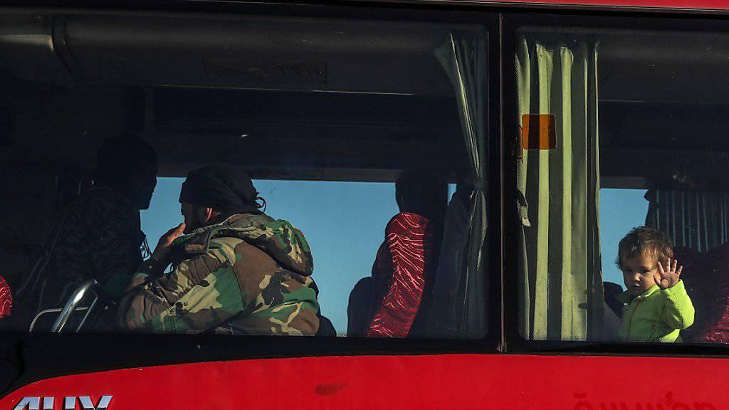 Bei einem schweren Busunglück im Süden Russlands sind mehrere Menschen ums Leben gekommen. (Symbolbild)