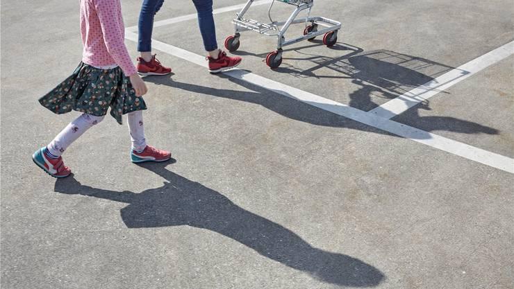 Die ärmsten Familien in der Stadt Solothurn mussten 2016 14 Tageslöhne dem Staat abliefern. Symbolbild/az