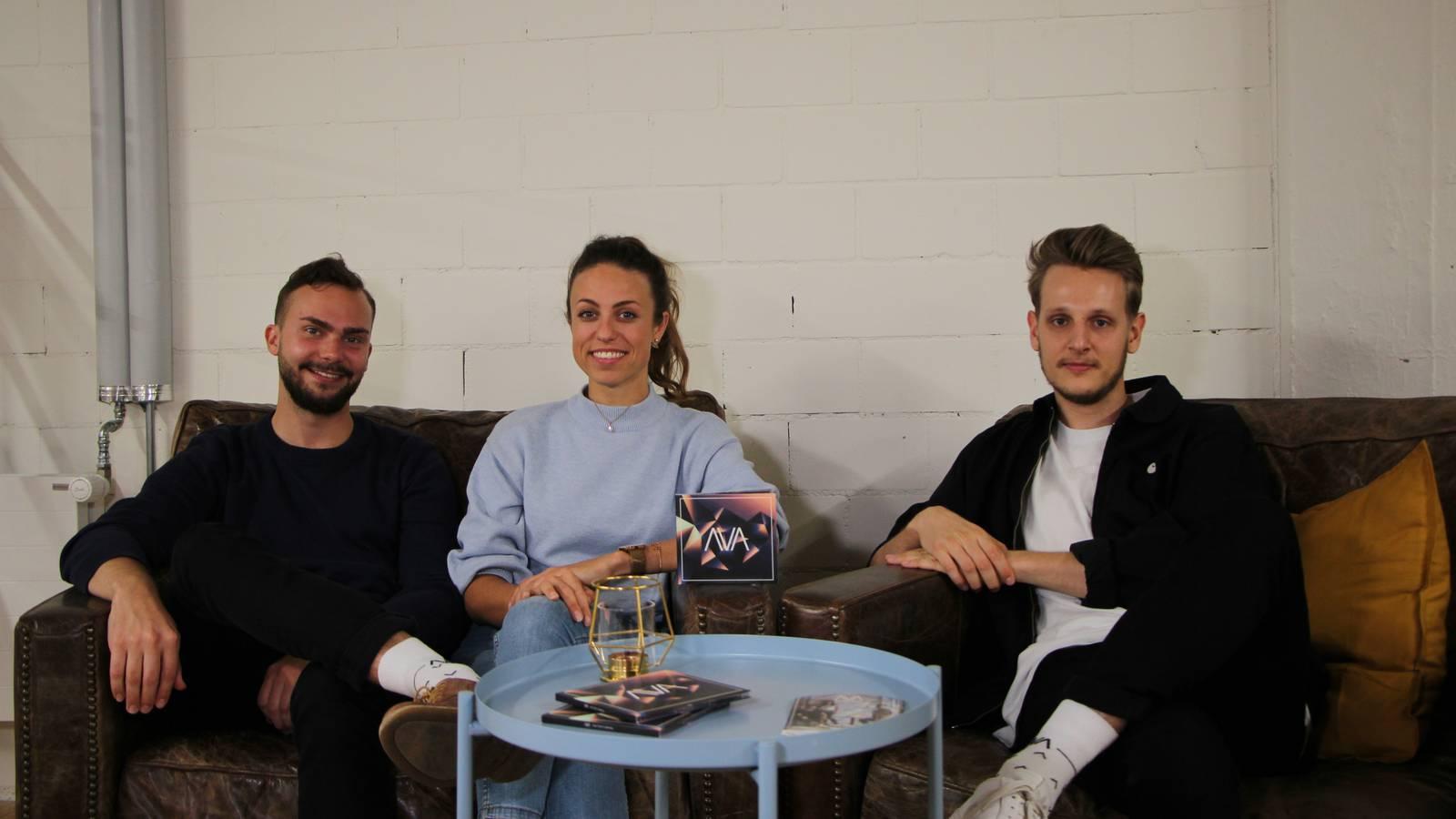Die Band Ava (Andy, Kim und Nicola v.l.) feiert am Freitag ihre Plattentaufe. (© FM1Today)