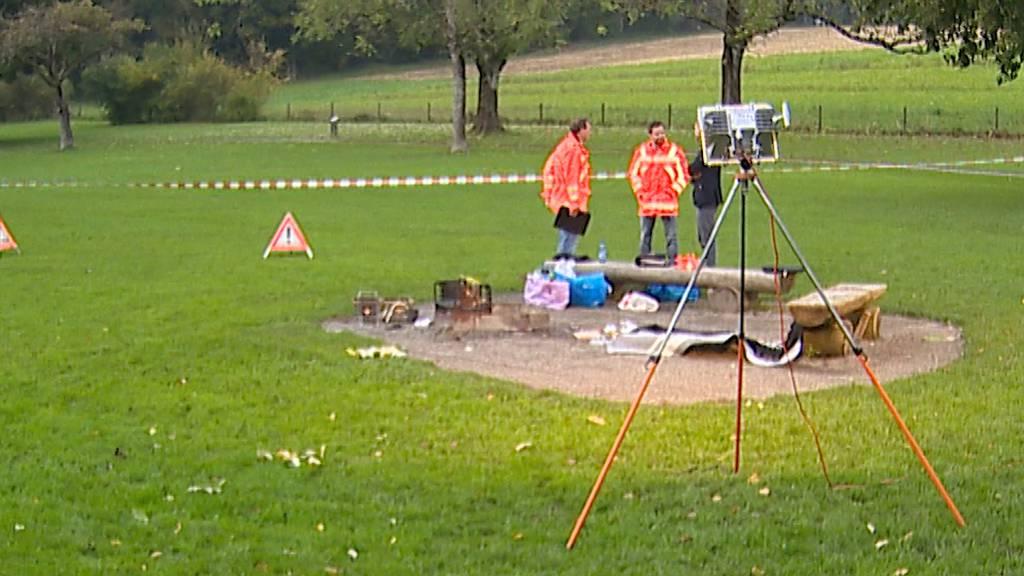 Küsnacht (ZH): Zwei Verletzte bei Grillunfall