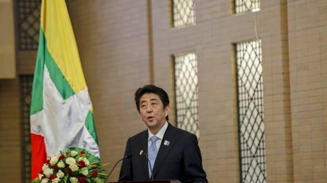 Nein, vor Geistern fürchtet er sich nicht: Shinzo Abe (Archiv)