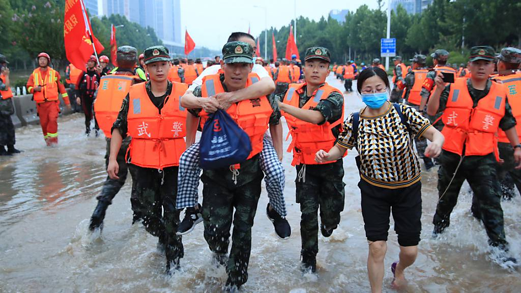 Zahl der Toten nach Überschwemmung in Zhengzhou steigt auf 56